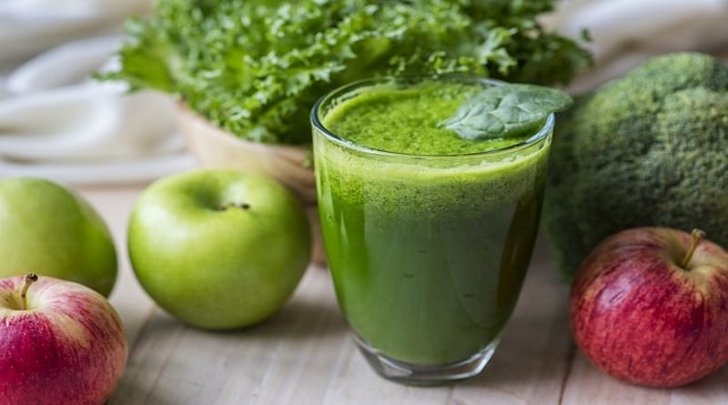 best green smoothie recipe   body cleansing foods